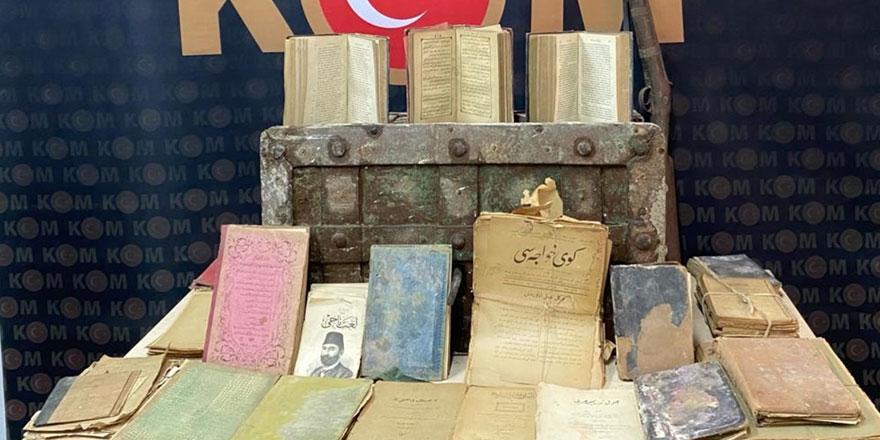 İzmir'de tarihi eser kaçakçılarına operasyon!