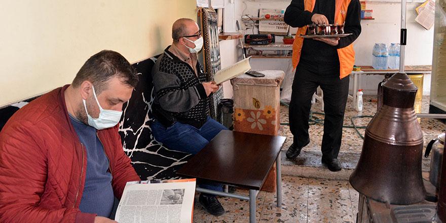 Kahramanmaraş'ta Hüseyin Burak Us'un çay ocağı ilgi odağı oldu!