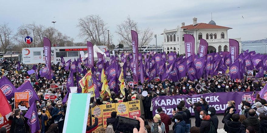 İstanbul Sözleşmesi'nin feshedilmesine büyük tepki! Türkiye'de kadınlar ayaklandı