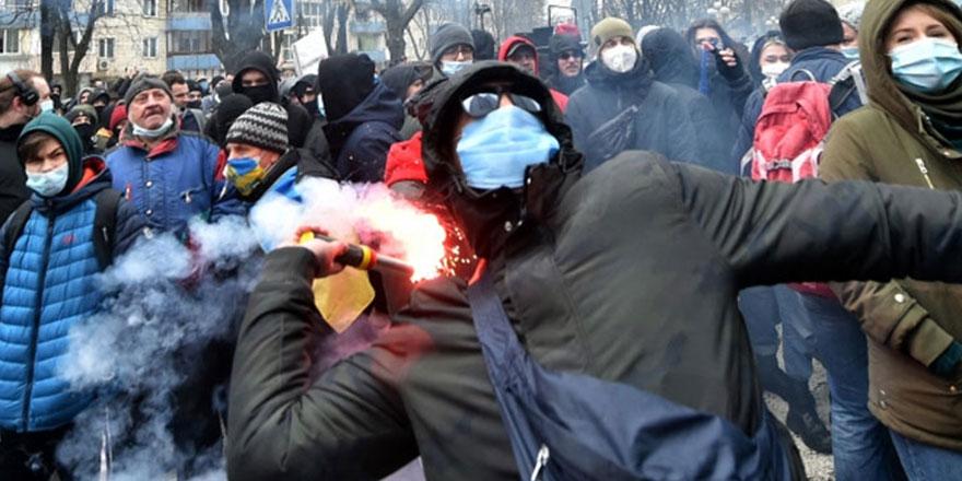 Ukrayna'da sokaklar karıştı! Sergey Sternenko'nun tutuklanması protesto edildi