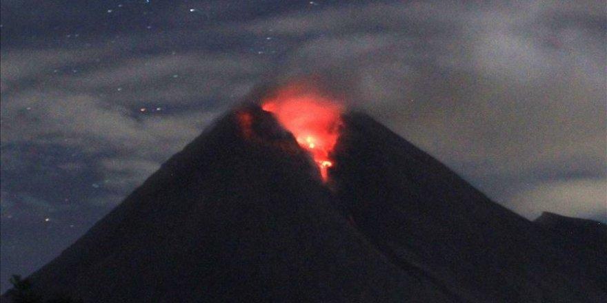 Merapi Yanardağı'nda turuncu alarm