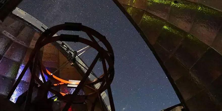Dev asteroit Dünya'nın yakınından geçti