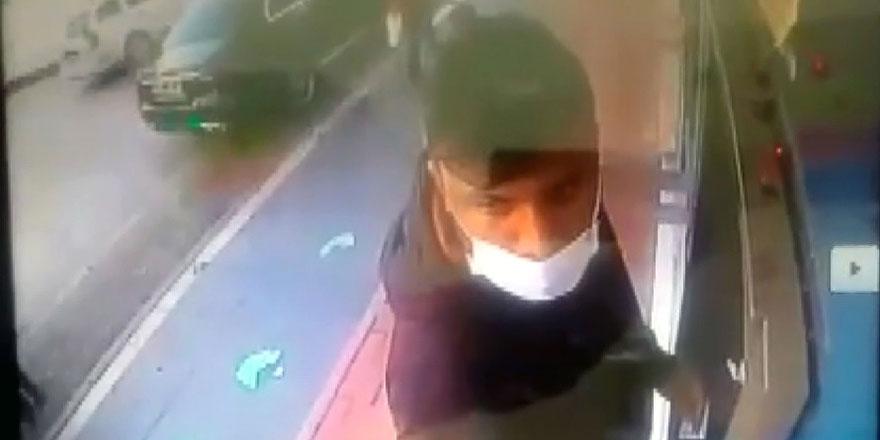 ATM'de hayatının şokunu yaşadı! Başına gelmeyen kalmadı