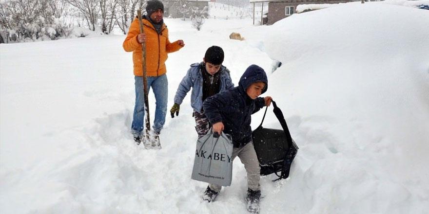 Kırşehir, Çankırı ve Konya'da yüz yüze eğitimde kar engeli yaşandı