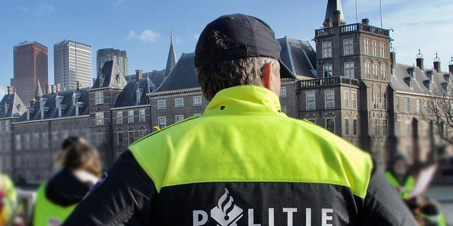 Hollanda Parlamentosu'nda bomba alarmı