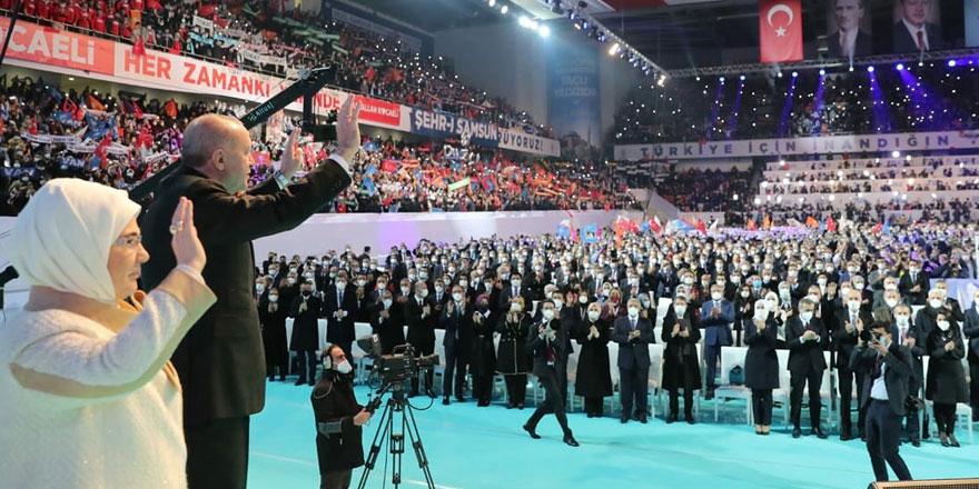 Vatandaş çifte standarda sessiz kalmadı! AKP'nin 'lebaleb' kongreleri yargıya taşındı