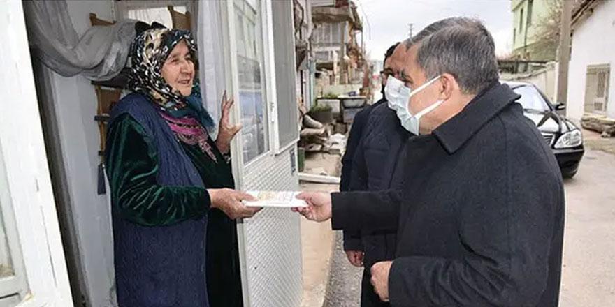 Karaman Valisi Mehmet Alpaslan Işık, kapı kapı gezip uyarıda bulundu