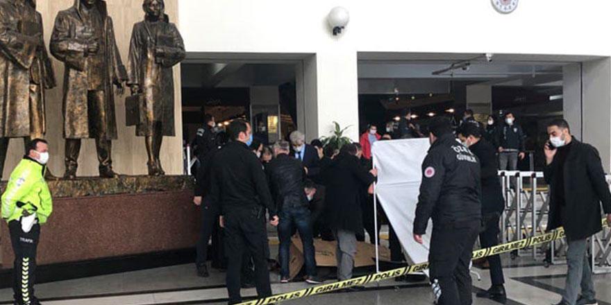 Bakırköy Adalet Sarayı'nda mübaşir intihar etti