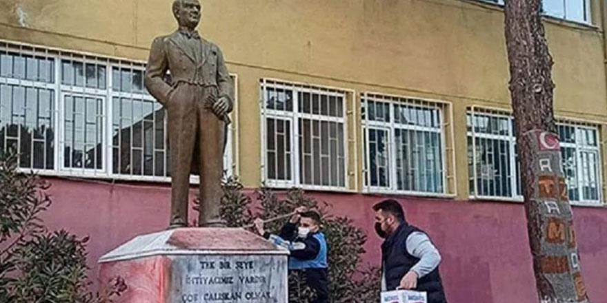 Tekirdağ'da Atatürk heykeline saldıran kişi yakalandı