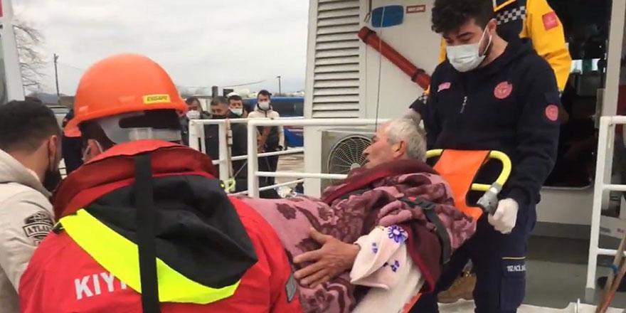 Balıkçı teknesi battı!  3 kişi kurtarıldı