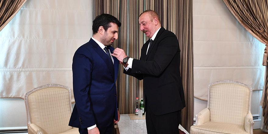 """Aliyev'den  Selçuk Bayraktar'a """"Karabağ Nişanı"""" takdimi!"""