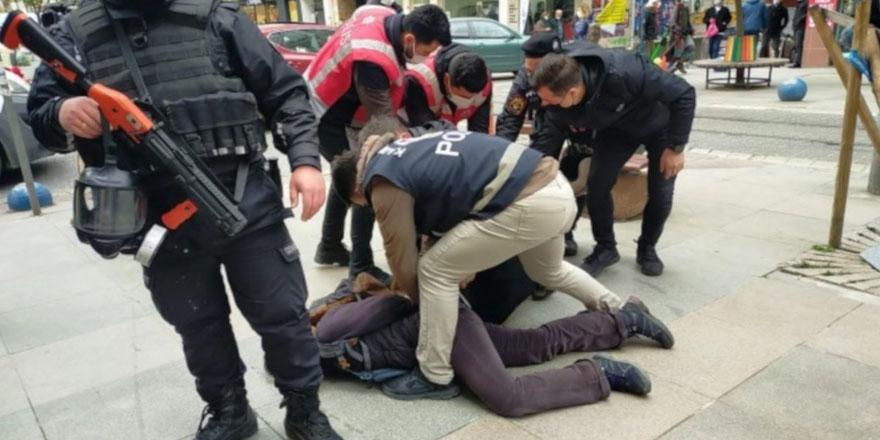 Kadıköy'de Boğaziçi eylemine polis müdahalesi: Çok sayıda kişi gözaltına alındı