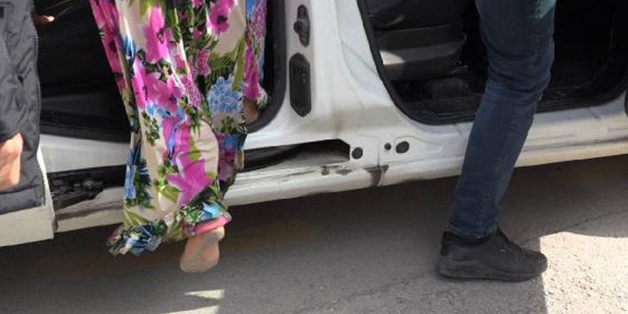 Çorum'da bir kadın 2 km çıplak ayak koşarak polisten yardım istedi