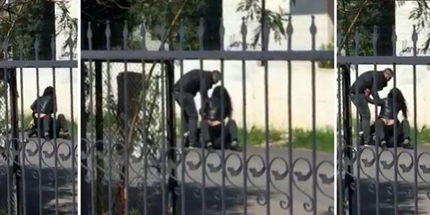 Antalya'da bir kadın adamın üstüne çıktı! Sokak ortasında bağıra çağıra...