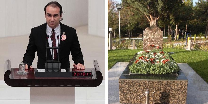 Alparslan Türkeş'in oğlu Ahmet Kutalmış Türkeş babasının mezarına alınmadı