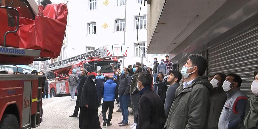 İstanbul Esenyurt'ta yangın paniği