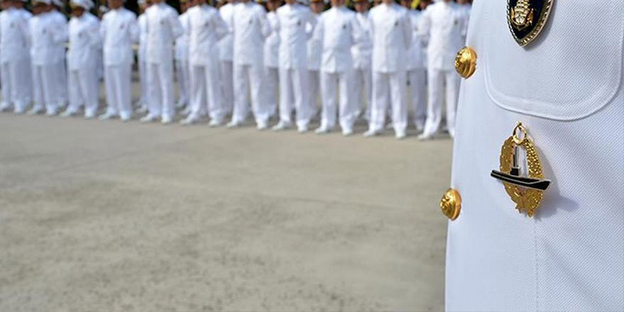 Bildiri yayımlayan amirallere gözaltı