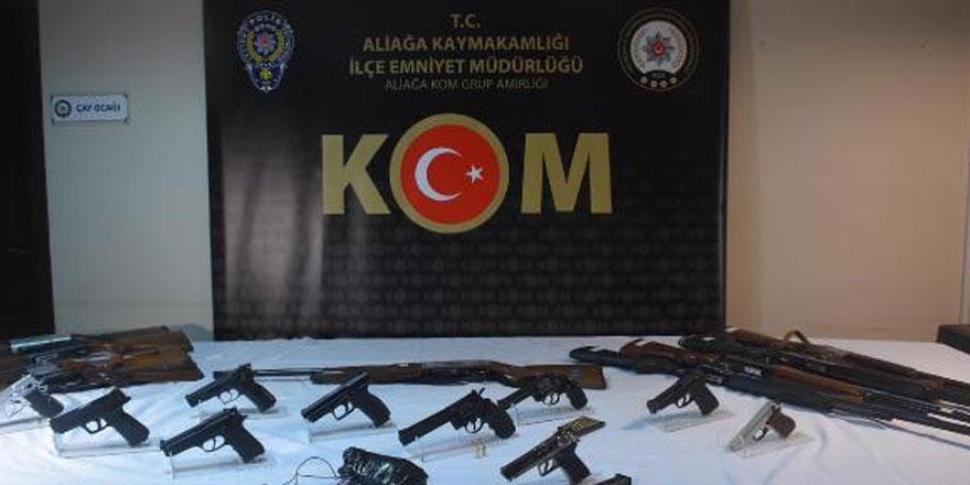 İzmir ve Manisa'da operasyon: 32 kişi...