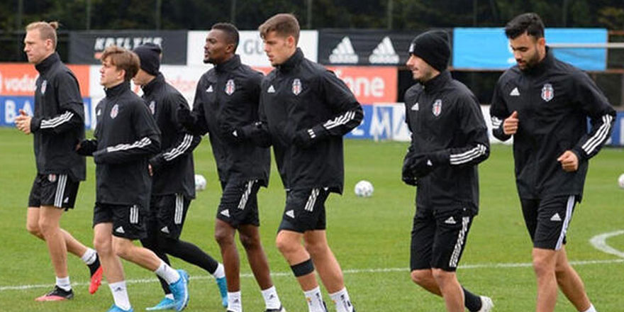 Beşiktaş'ta Rachid Ghezzal ve Bernard Mensah çalışmalara başladı