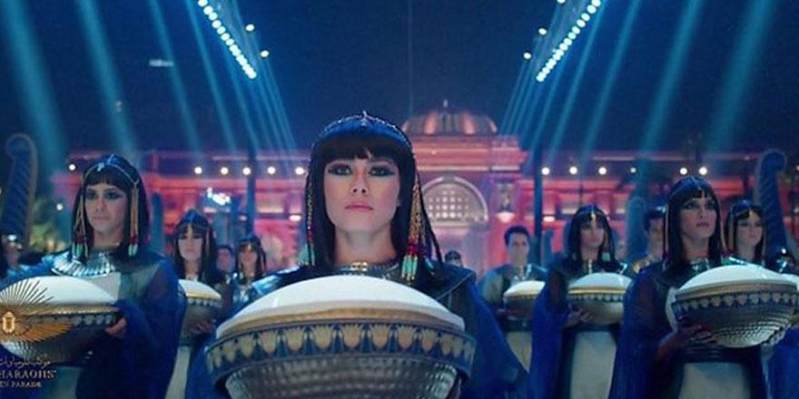 """Mısır'da """"Firavunların Altın Geçidi"""" şovunun maliyeti dudak uçuklattı"""