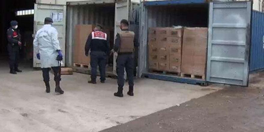 Görüntüler İzmir'den...  Sığınmacılara insanlık dışı muamele!