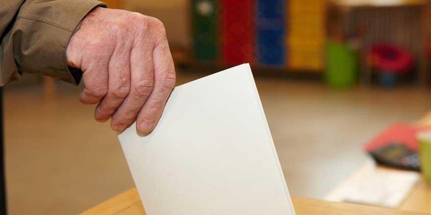 AKP seçimler için 'değişiklik' çalışmasına başladı