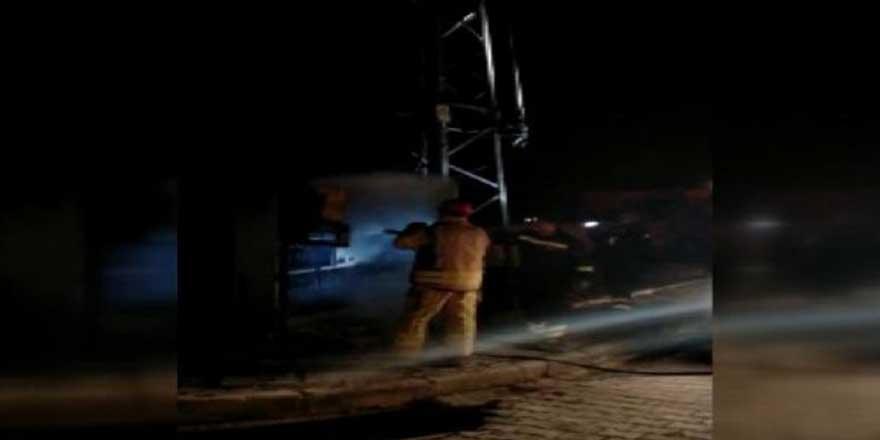 Silivri'de trafo patladı! Mahalle elektriksiz kaldı