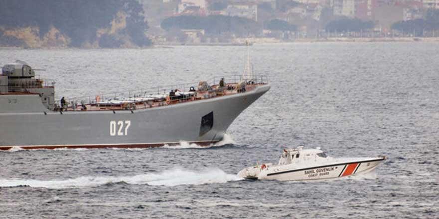 Tansiyon giderek yükseliyor! İngiltere'nin Karadeniz'e savaş gemisi isteğine Türkiye'den karar