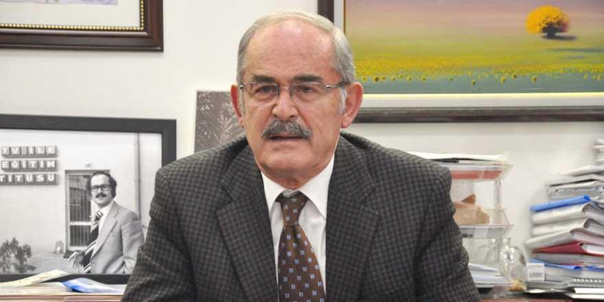 Eskişehir Büyükşehir Belediye Başkanı Yılmaz Büyükerşen'e ödül