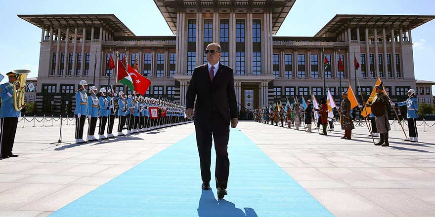 Gazeteci Mehmet Tezkan'dan bomda iddia! Saray'ın planladığı tarih belli oldu