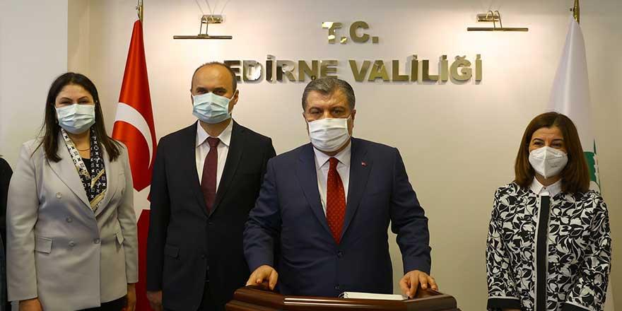Bakan Fahrettin Koca canlı yayında açıklama yaptı! Tam kapanma etkisini gösterdi mi?