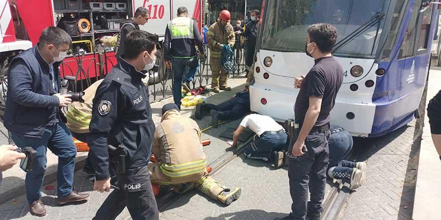 Fatih Haseki Tramvay Durağı'nda bir kişi tramvayın altında kaldı