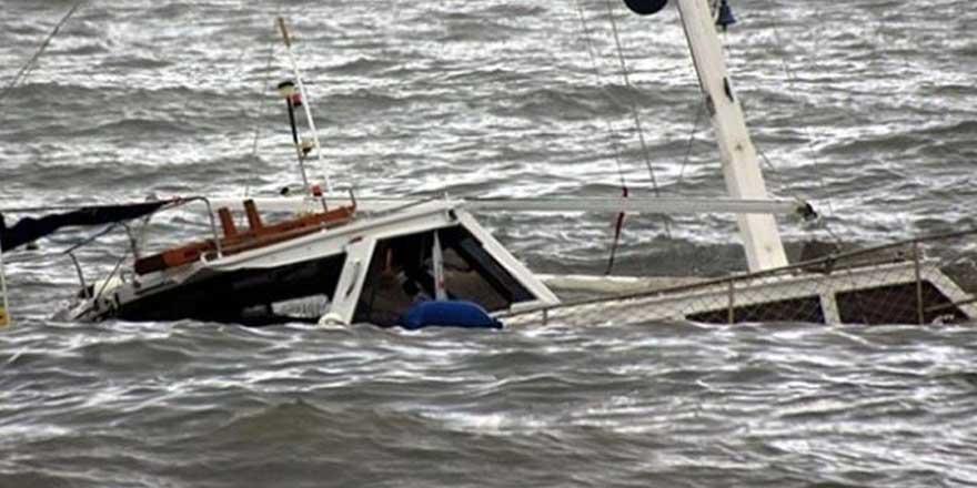 Tekne alabora oldu! En az 15 kişi hayatını kaybetti
