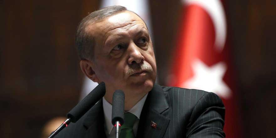 İktidara yakın gazeteciden Erdoğan'ı kızdıracak sözler : AK Parti'nin içi fitne-fesat dolu bir kazan haline geldi