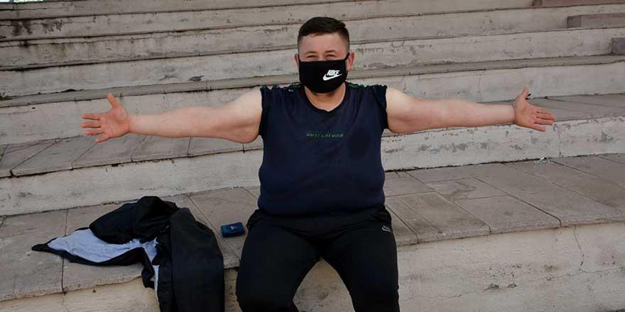 Zonguldak'da Akın Türkoğlu 6 ayda 212 kilo verdi!
