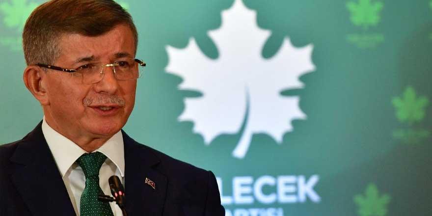 """Davutoğlu, kendisine """"tele kulak"""" suçlaması yapan Soylu'ya cevap verdi: Bana üç isim kumpas kurdu"""