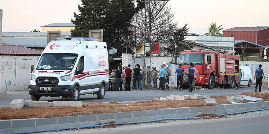 Askeri tır fabrika duvarına çarptı: 2 şehit