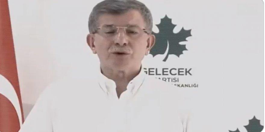 Ahmet Davutoğlu da bir tripod bir kamera aldı! Erdoğan ve Bahçeli'ye öyle şeyler söyledi ki...