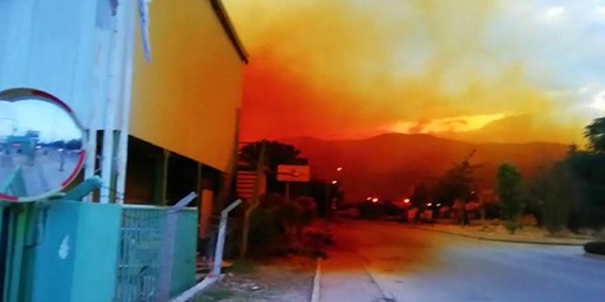 Antalya Organize Sanayi Bölgesi'nde bulunan fabrikanın asit tankı patladı