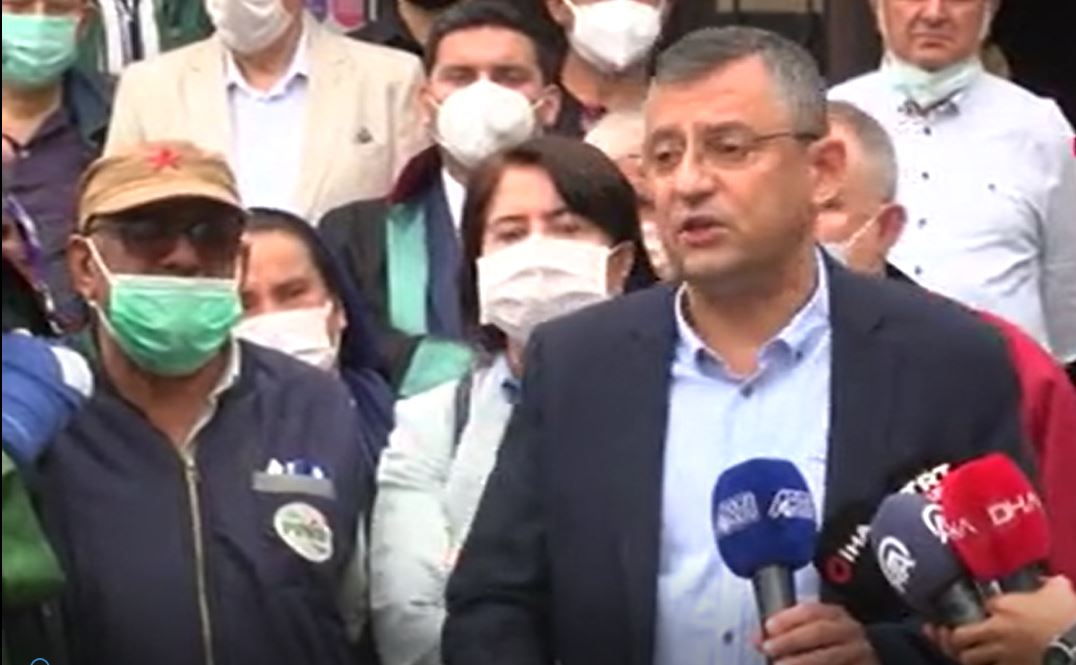 Özgür Özel gözyaşlarını tutamadı: Soma Davası'nda alınan karara isyan etti