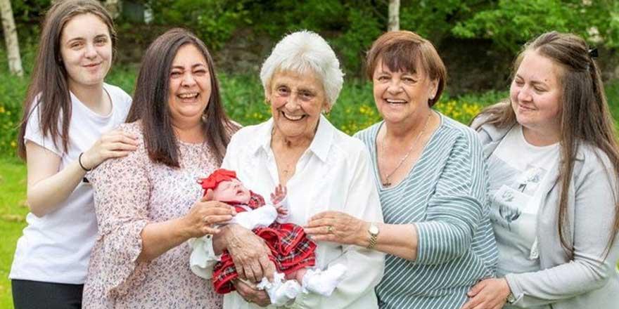 86 yaşındaki kadın torunlarıyla gündem oldu