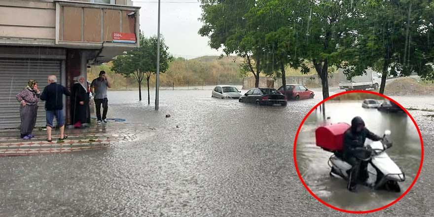 İstanbul'da evleri su bastı araçlar mahsur kaldı!