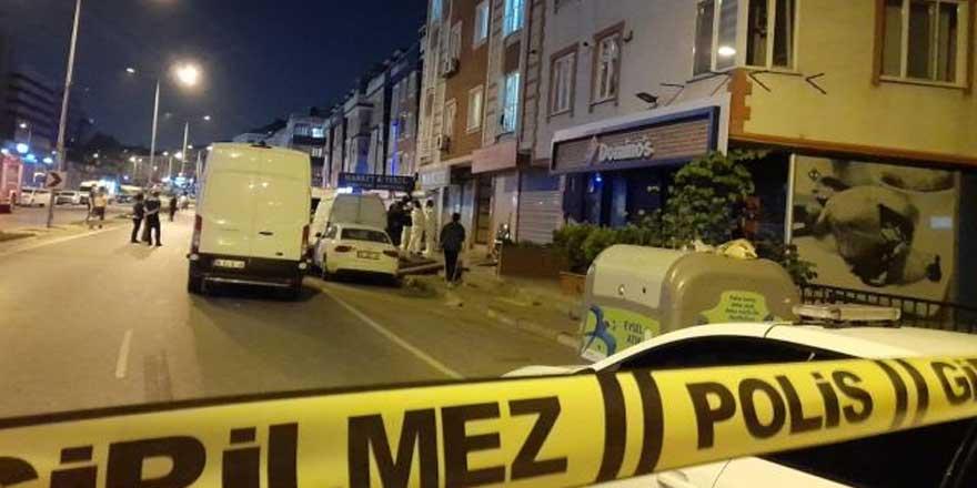 """İstanbul'da anne ve oğlunun cesedi bulundu: """"Bomba var yaklaşmayın"""" notu panik yarattı"""