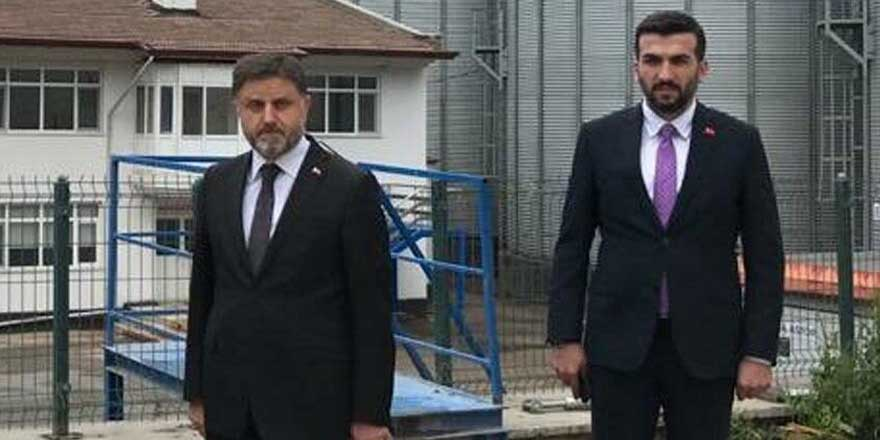 İki maaş alan bürokratlar çok kıskanacak! AKP'li müdüre 11, danışmanına 5 maaş