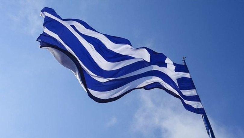Yunanistan'da mahkemenin kararına tepki gösteren rahip, salondakilere kezzapla saldırdı