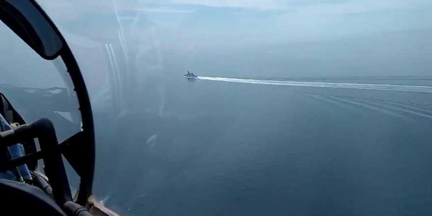 İngiltere uyarı ateşi açılmadı demişti! Rusya savaş gemisinin görüntülerini yayınladı