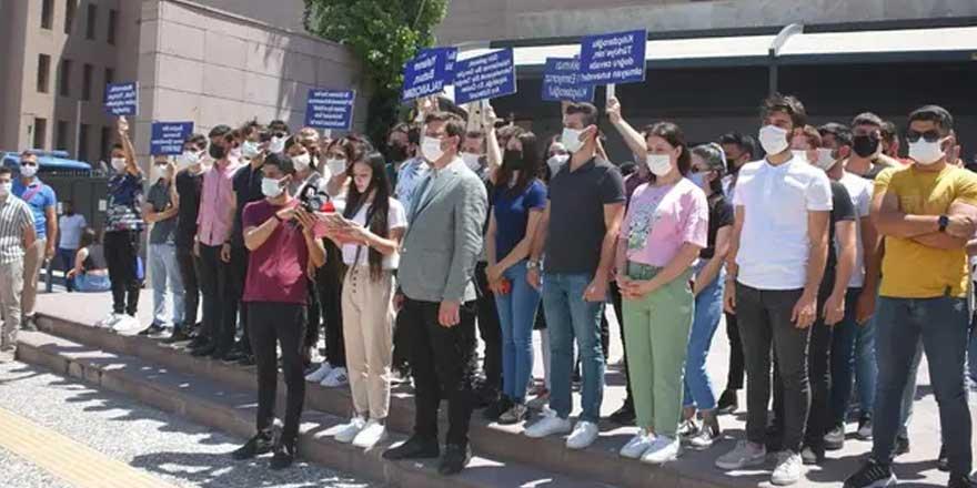 AKP'li gençler Kılıçdaroğlu'na dava açtı