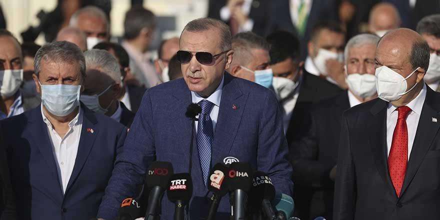 Cumhurbaşkanı Erdoğan bayram namazı sonrası konuştu! Taliban'la görüşme sinyalleri verdi
