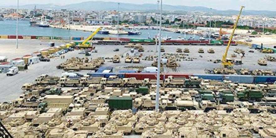 ABD, Türkiye sınırının yanınacephanelik inşa edip tankları yığıyor!