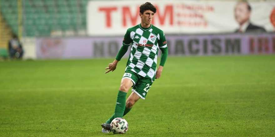 Bursaspor'da Taha Altıkardeş'in sözleşmesi uzatıldı